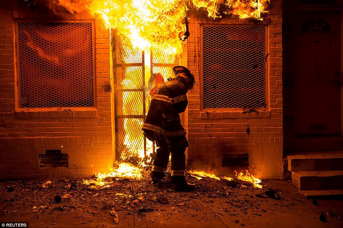 Baltimore Transformed Into An Absolute War Zone City