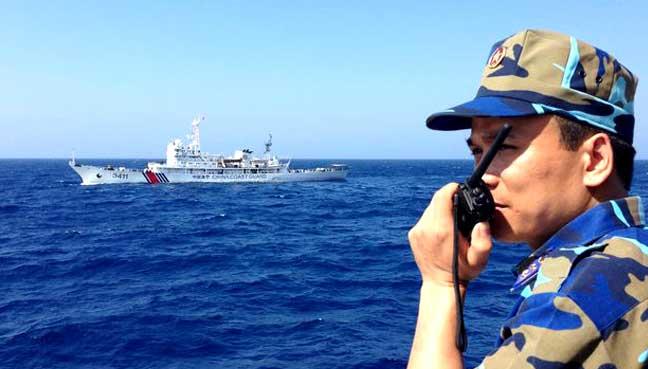 Китай выслал корабли для помощи Вьетнаму