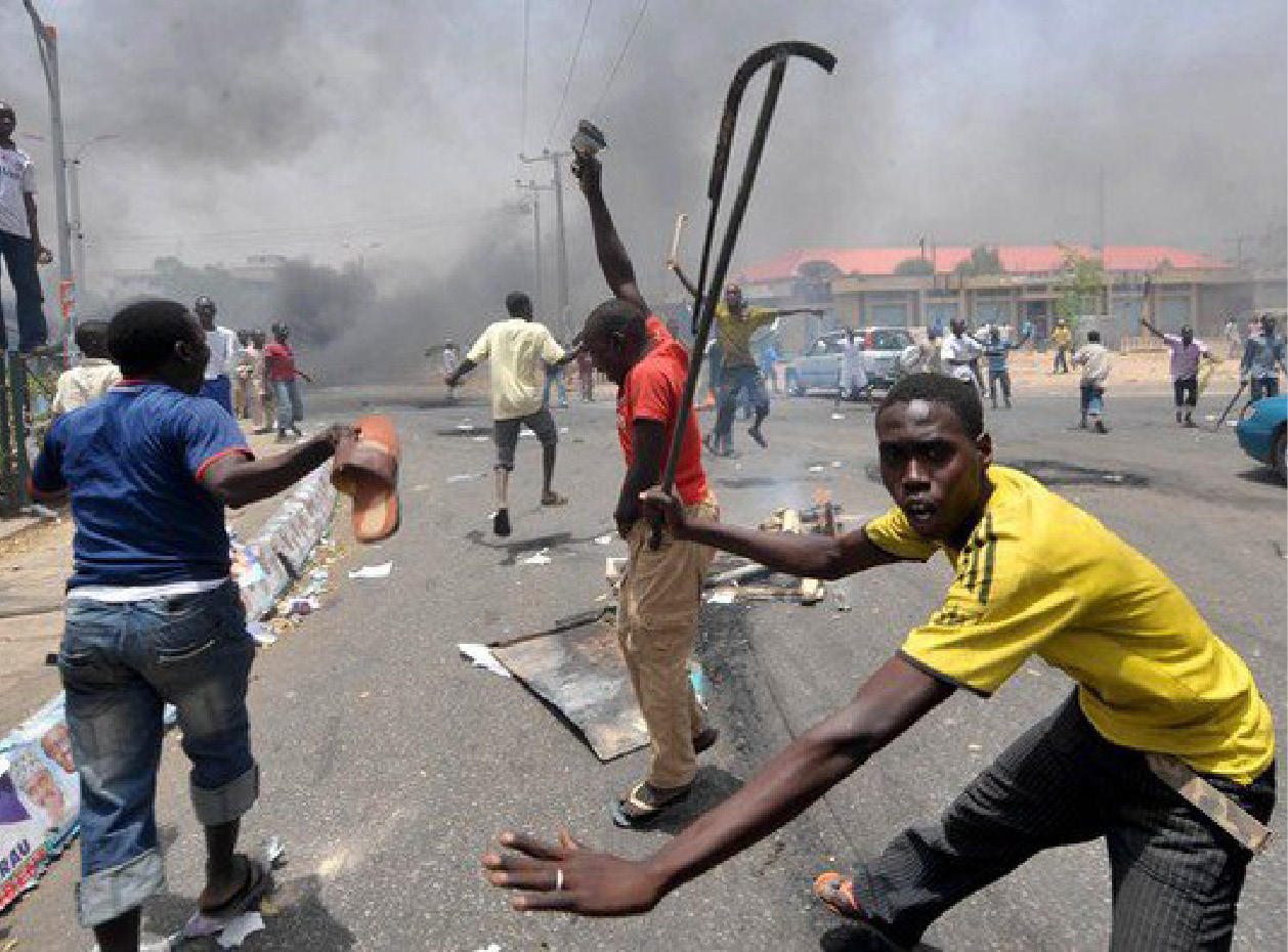 youth rioters in kano (1)