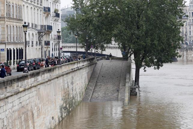 Жителей Франции беспокоят наводнения