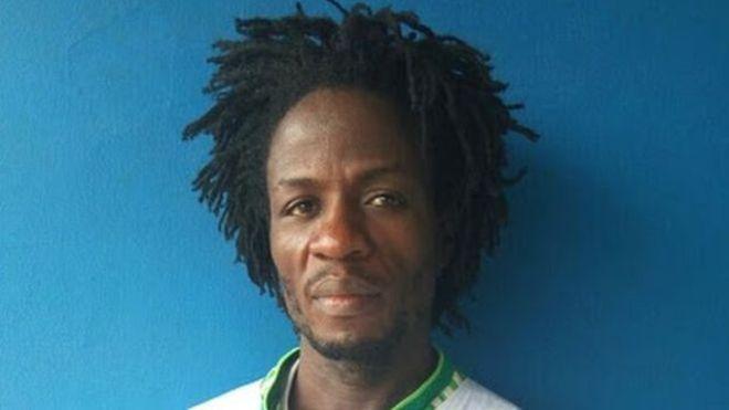 Священника арестовали за то, что он держал сына на цепи