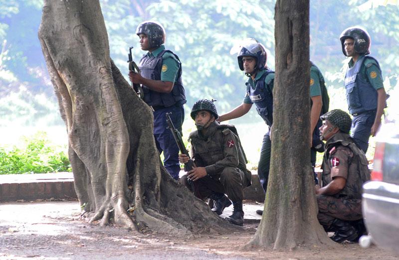 Полиция Бангладеша арестовала четырех женщин-боевиков