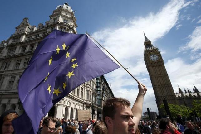 Британскому правительству нужно одобрение Парламента
