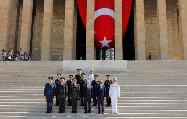 Эрдоган стремится подчинить себе армию