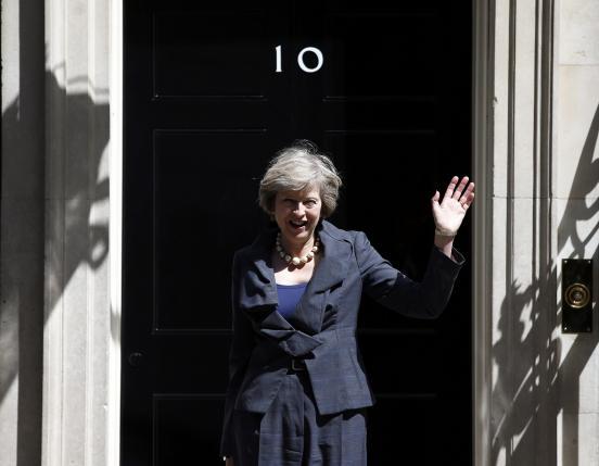 Мэй не намерена торопиться с процедурой выхода из ЕС