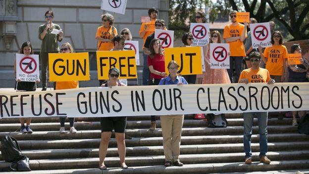 Техасским студентам разрешили ходить на занятия вооруженными