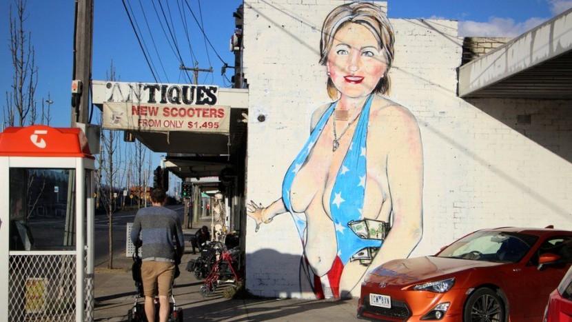 Австралийский художник изобразил Хиллари Клинтон в паранже
