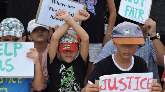 В Австралии оппозиция требует принимать нелегальных иммигрантов