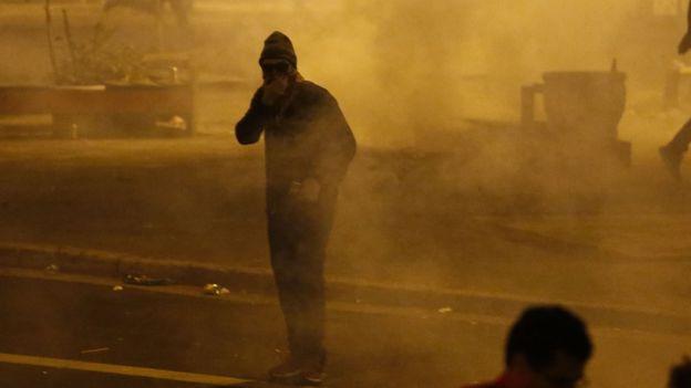 Полиция применила газ и водометы против сторонников Руссефф