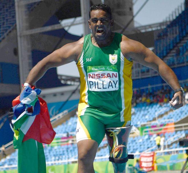 Южноафриканского паралимпийца не пустили в самолет из-за протеза