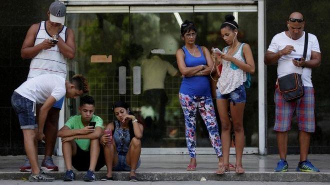 На Кубе популярный пляж обеспечат доступом в интернет