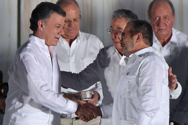 Президент Колумбии пожертвует свою Нобелевскую премию мира на благотворительность