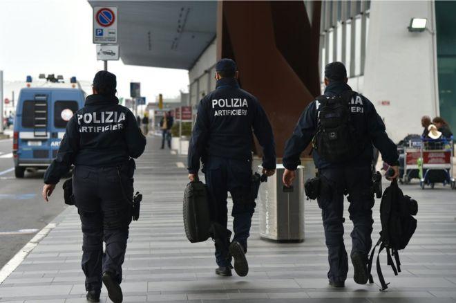 Бразилец привез в Италию кокаин под видом геля в подошве кроссовках