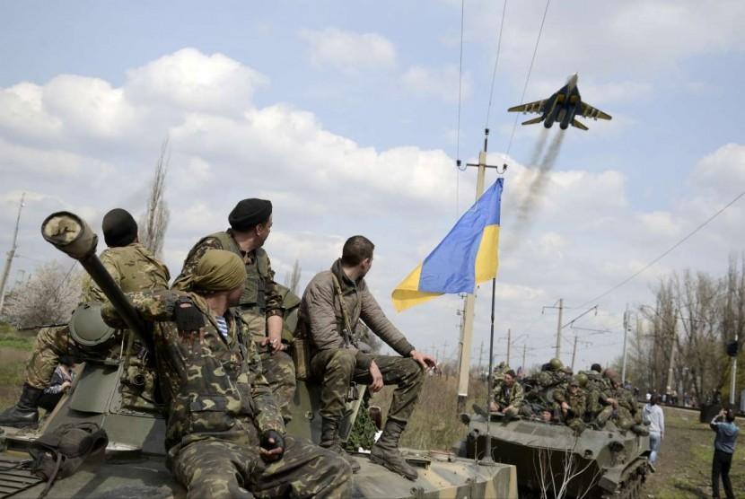Конфликт на Донбассе по мнению Дмитрия Яроша может усилиться