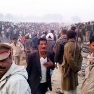 В Индии до сих пор разбирают поезд: погибших еще больше
