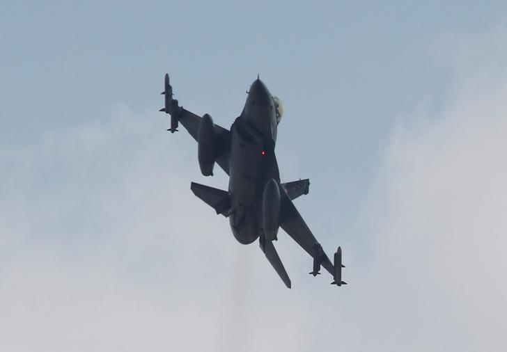 Турецкие истребители ударили по позициям ИГ в северной Сирии