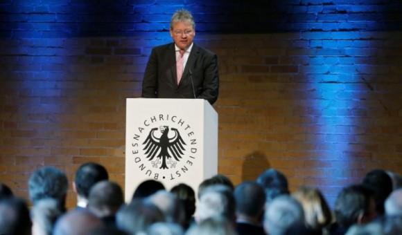 Глава немецкой разведки сообщает об угрозе хакеров из РФ