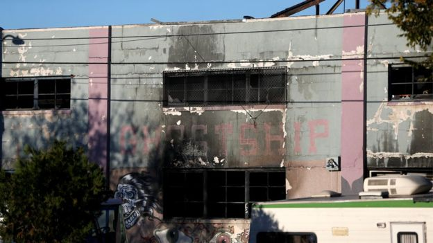 Из-за пожара в клубе погибли десятки человек