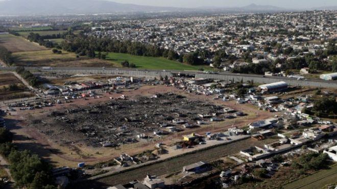 Президент Мексики пообещал восстановить рынок фейверков