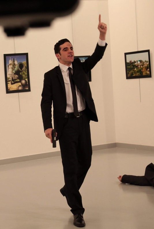 В Турции убит российский посол