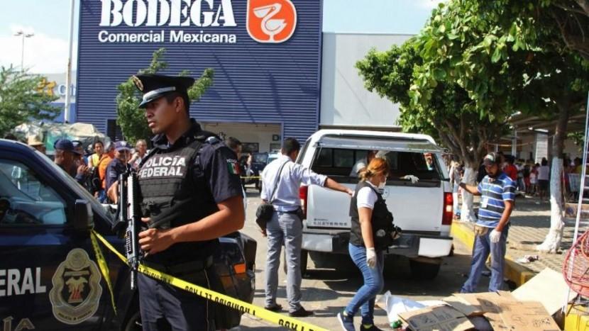 В Мексике неизвестные расстреляли посетителей популярного рынка