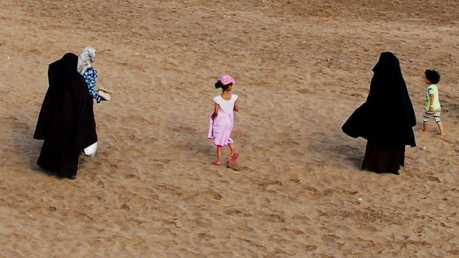 В Марокко запретили паранжу. Исламисты и либералы против.