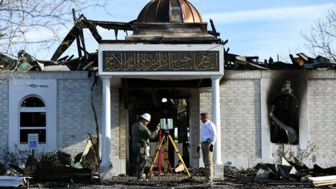 Сгоревшая мечеть получила миллион долларов пожертвований