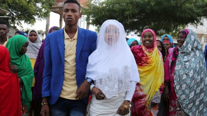 В сомалийском городе запретили пышные свадьбы