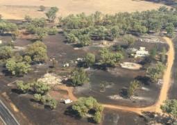Бушующие в Австралии лесные пожары полностью уничтожили маленький городок