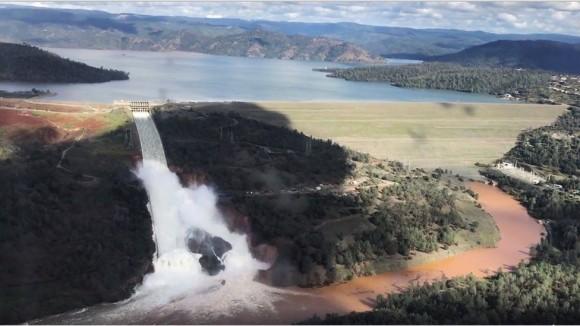 В Калифорнии объявлена масштабная эвакуация
