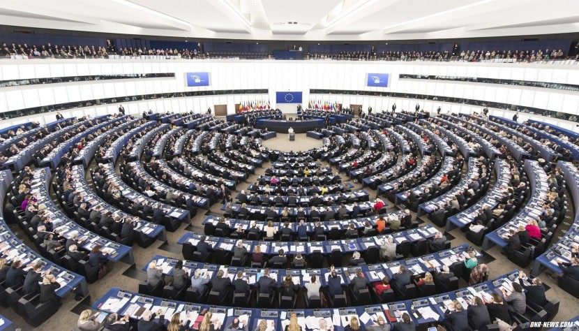 Европарламент требует расширения санкции против РФ по Украине
