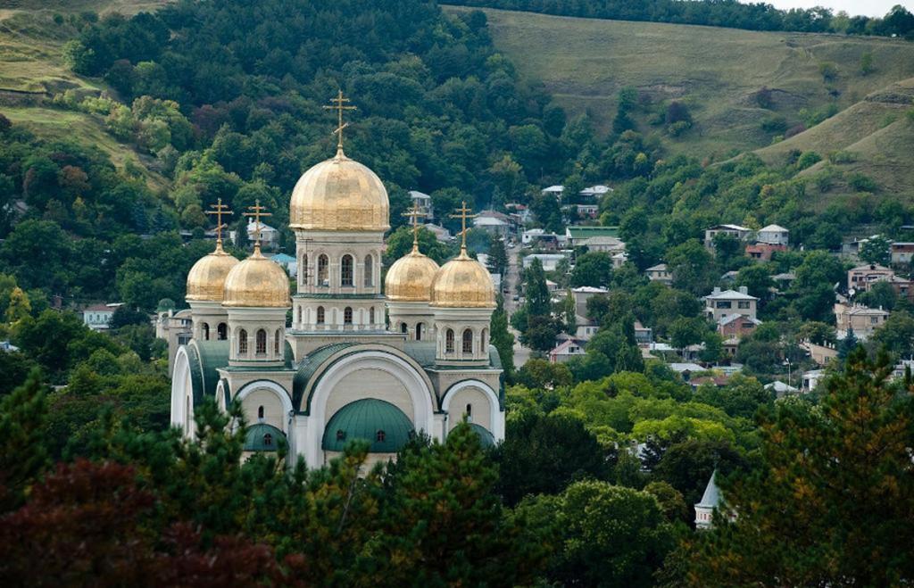 Церковь_Святого_Николая_в_Кисловодске