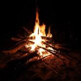 Как правильно разжечь костер