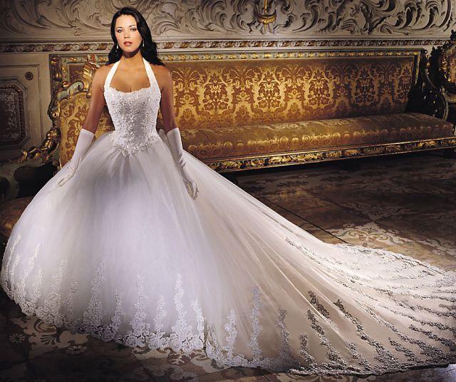 Что можно найти в салоне свадебного платья?