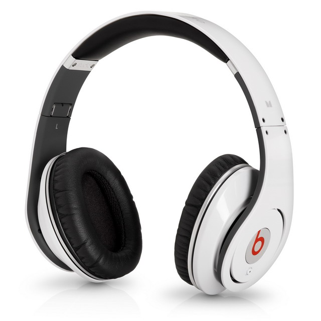 Monster_beats_by_Dre_Studio_2