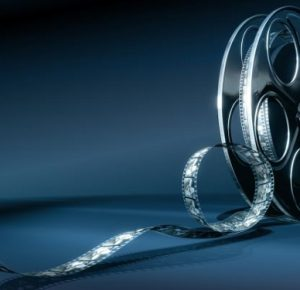 В чем преимущества просмотра фильмов через кинопортал?