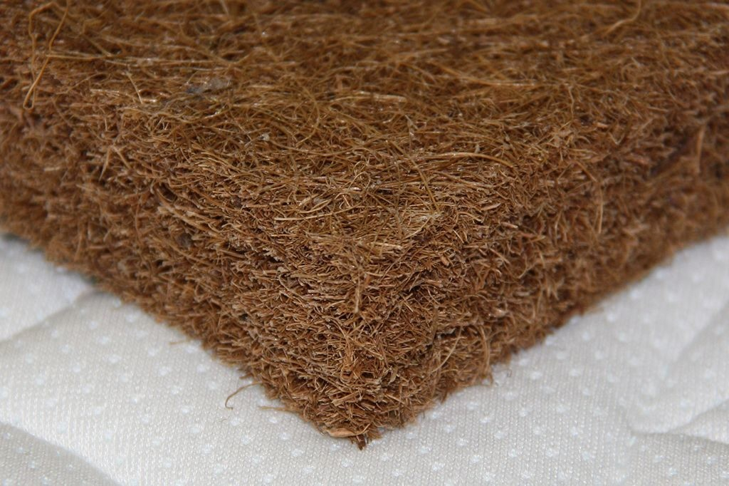 harakteristiki-kokosovogo-matrasa-1024x682