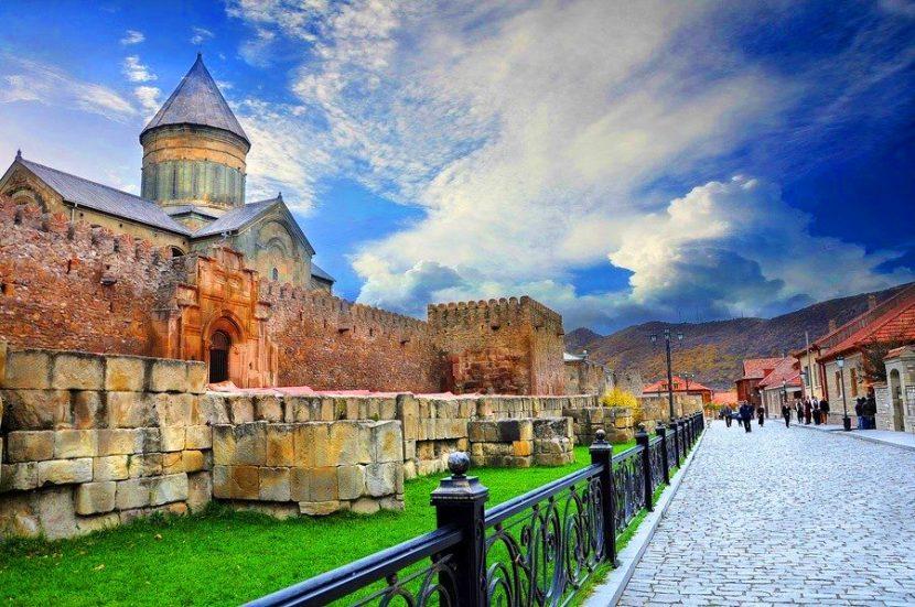 Гиды и экскурсии в Грузии. Экскурсии в Тбилиси на русском языке