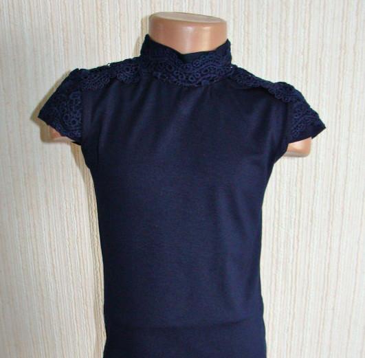 Для девочек одежда. Блузки, водолазки