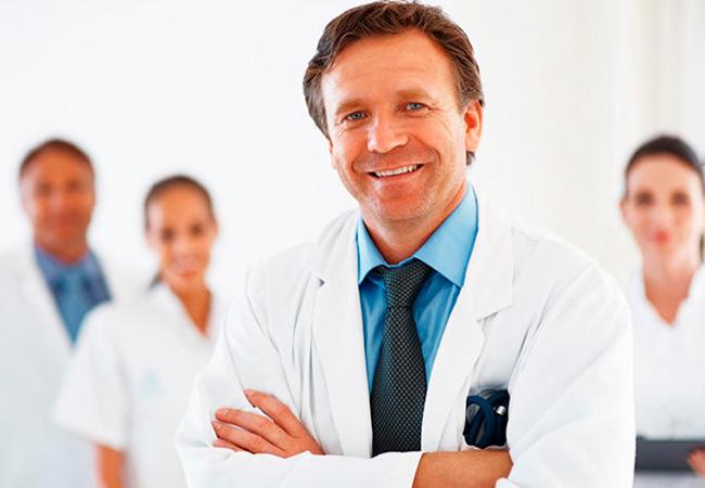 Современная медицина. Врачам Сочи передали 800 желтых защитных комбинезонов
