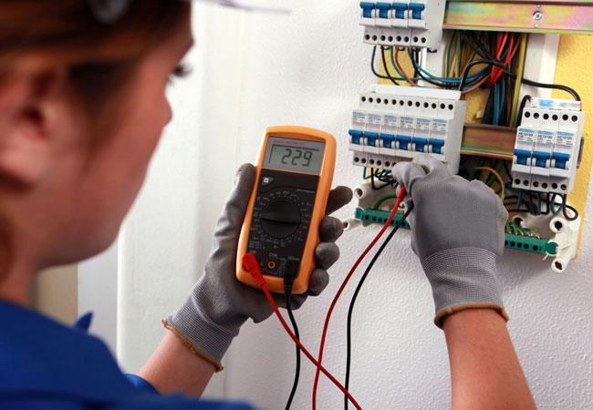 Работы по электричеству. Электрощитовое оборудование, светильники, кабели и провода