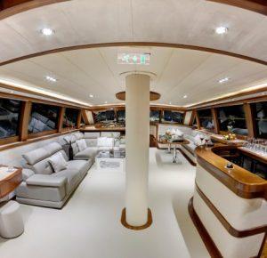 Прогулка под парусами на парусной яхте в Сочи — это всегда утонченность и романтизм