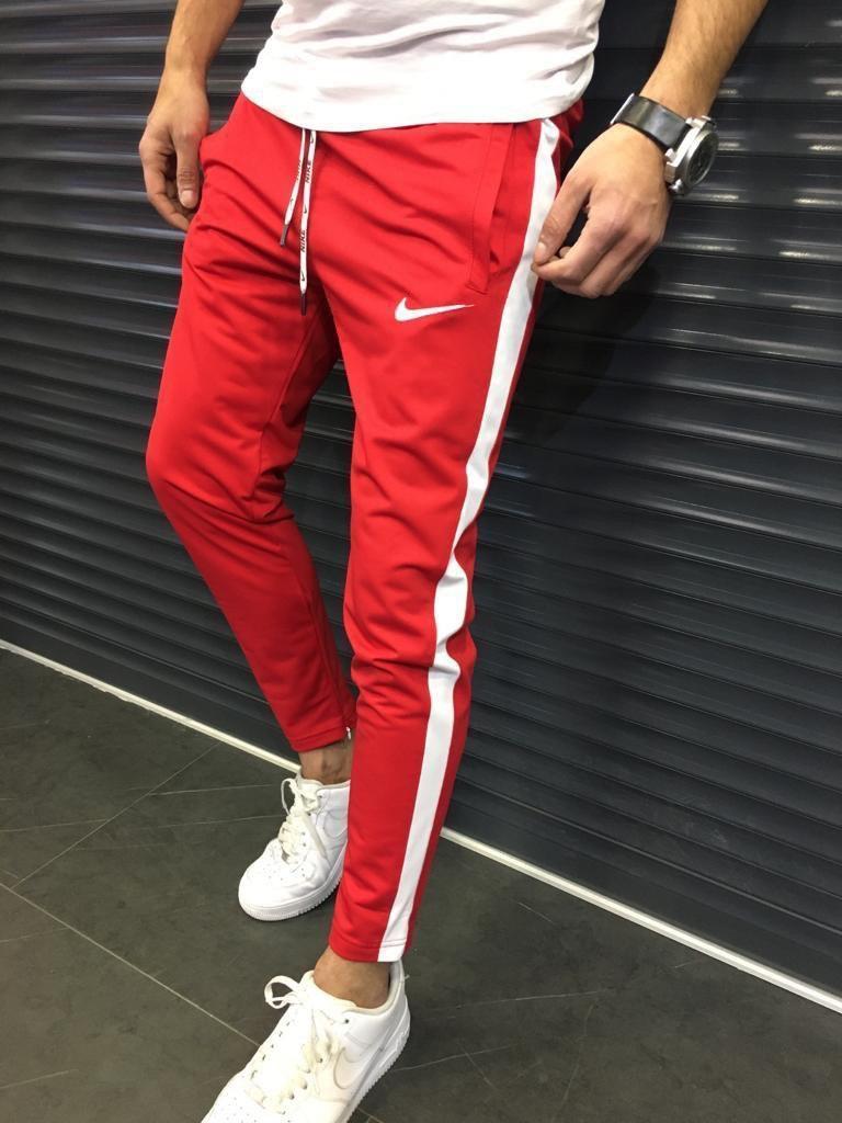 Как носить красные мужские штаны и выглядеть круто