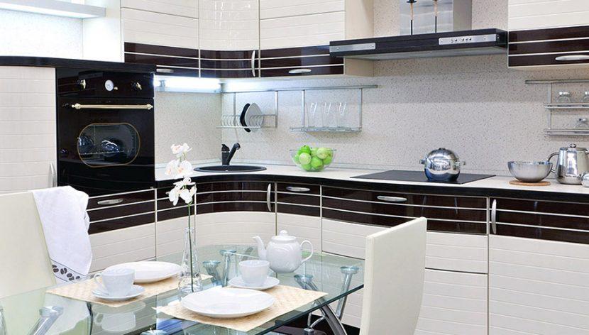 Кому доверить изготовить кухню в салоне в Москве?