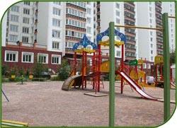 Порядка 20 детских площадок и 14 дворов планируют благоустроить в Тропарево-Никулино